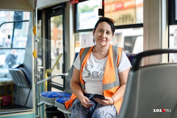 О трудностях, с которыми сталкиваются водители трамваев, нам рассказала Оксана Мирошкина
