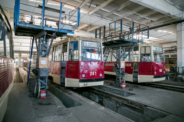 Сэкономить на проезде жители и гости города смогут в муниципальных трамваях, оборудованных устройствами для приема бесконтактных банковских карт