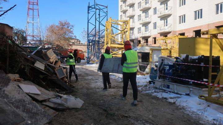 В Ростове возобновили достройку проблемного дома на 1-й Баррикадной