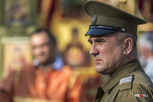 Волгоградским казакам купили парадную форму на миллион рублей