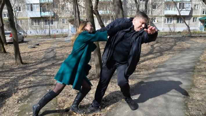Самооборона для чайников: 4 видеоурока от тренера по рукопашному бою