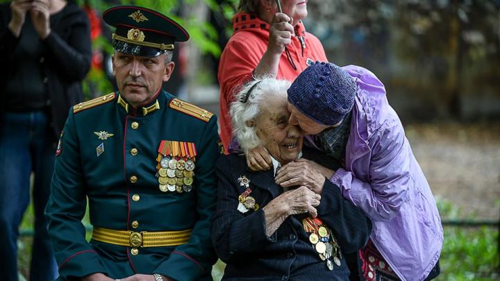 Победили фашистов, но не победили коронавирус (пока): 30 крутых фото парадов со всей России