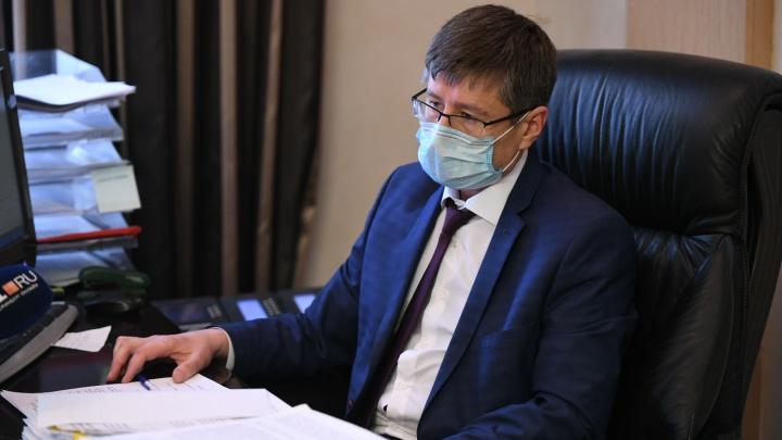 Главный санврач Свердловской области не видит поводов ослаблять режим самоизоляции с 26 мая