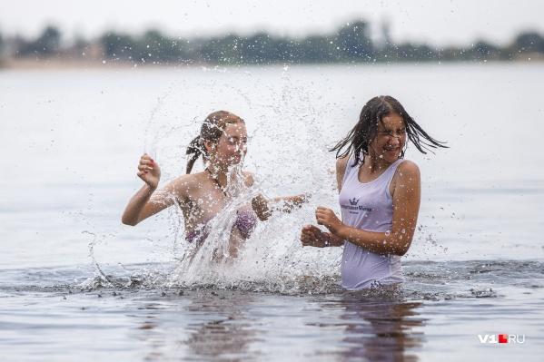 От такой погоды одно спасение — Волга