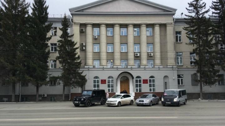 Чиновники и депутаты в Курганской области отдали часть зарплат медикам