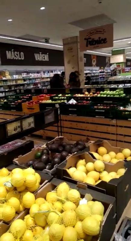 По словам екатеринбуржца, переехавшего в Чехию, продуктов в магазинах хватает