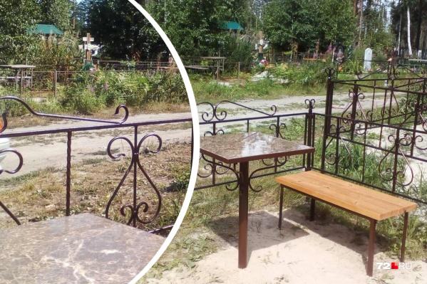 Подменённая оградка (слева) очень похожа на ту, что была на могиле ребенка (справа). Если присмотреться, то видно, что у заборчиков разные элементы