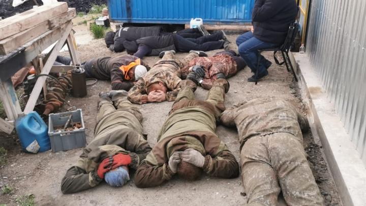 В Самарской области ФСБ накрыла банду нефтеврезчиков с буровой установкой