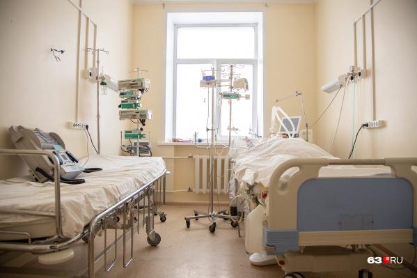При воспалении легких в тяжелой форме пациентов подключают к аппаратам ИВЛ