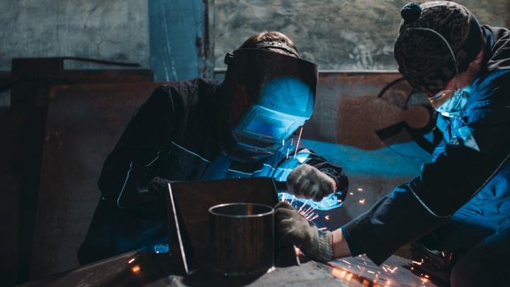 Не хватает медиков и сварщиков. Какие вакансии наиболее востребованы в Тюменской области в пандемию