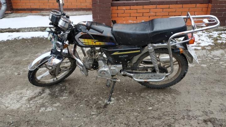 В первой же аварии с мотоциклом пострадали двое детей