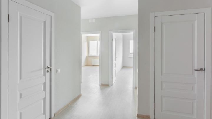 Ремонт не нужен: в микрорайоне бизнес-класса «Западный луч» появились квартиры с отделкой и мебелью