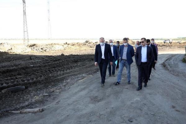 Вадим Шумков сообщил о «небольшом отставании» при строительстве дороги по улице Мальцева