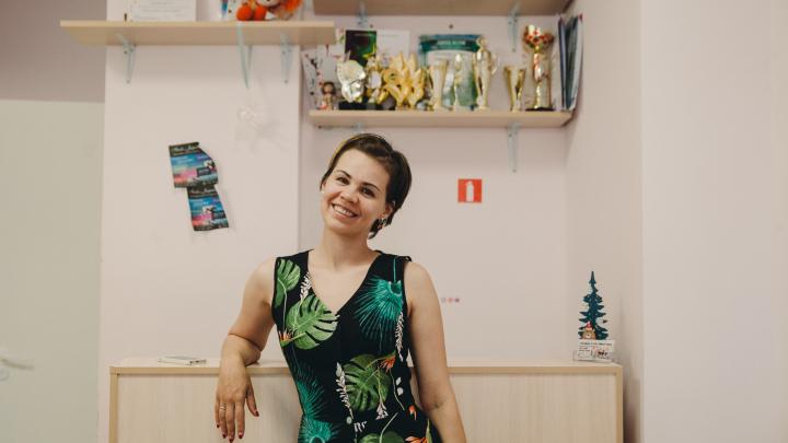 Продала машину и влезла в долги: как экс-госслужащая открыла школу танцев в Тюмени