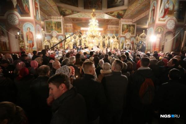 До 30 апреля все службы, в том числе предстоящее пасхальное богослужение, будут проводиться за закрытыми дверями