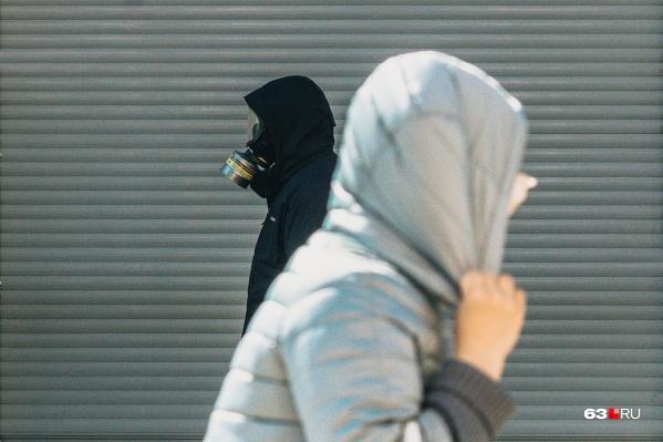 Масочный режим сохранится, но носить можно просто маски и только в общественных местах
