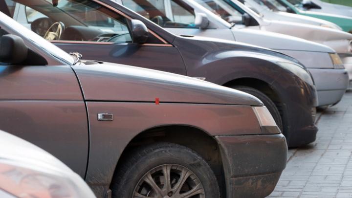 На двух центральных улицах Ростова запретят остановку машин