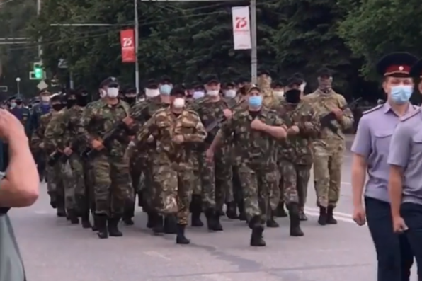 Репетицию шествия Победы в Новокузнецке сняли на видео