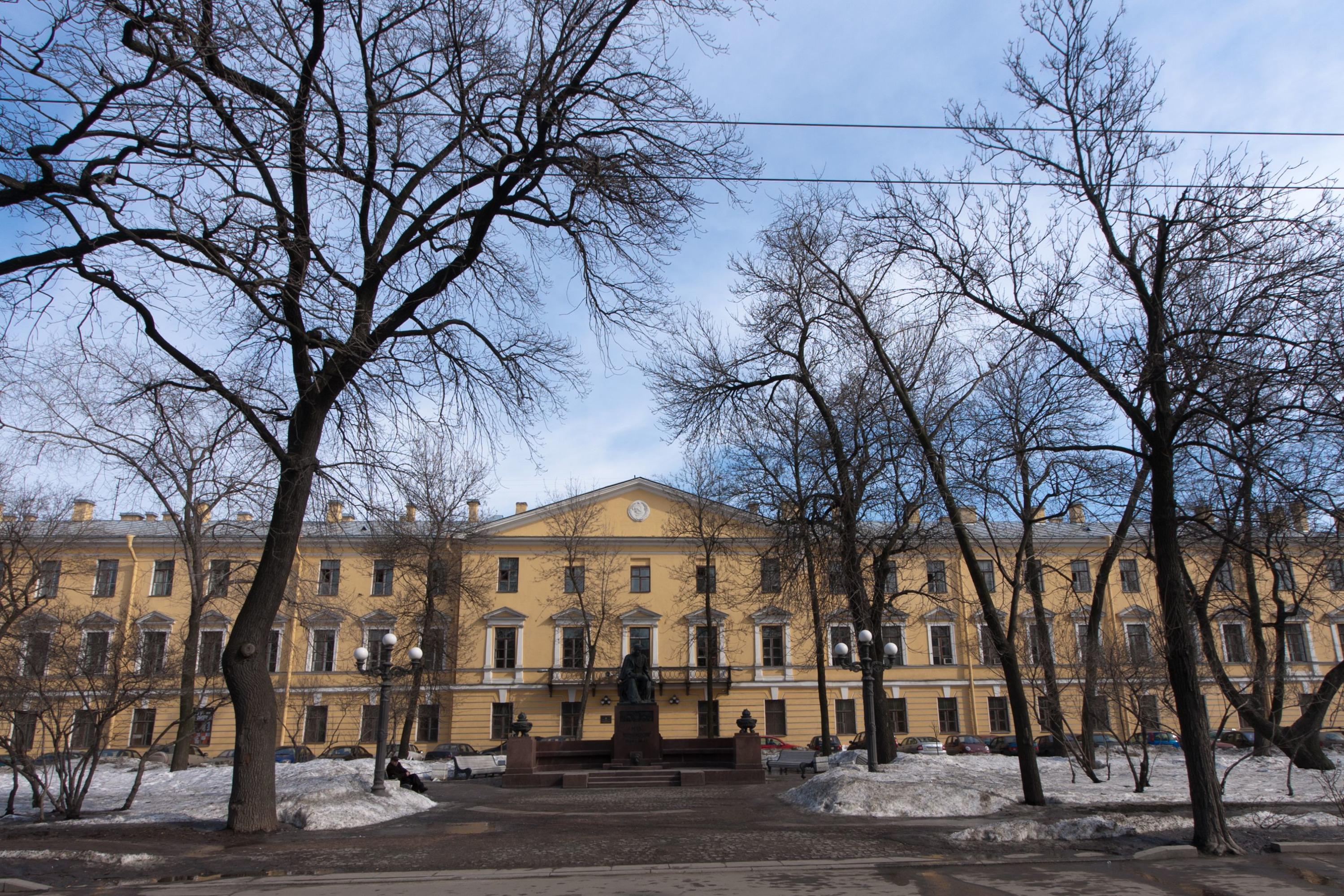 Бывшее здание АО «Завод радиотехнического оборудования», Лермонтовский пр., 54