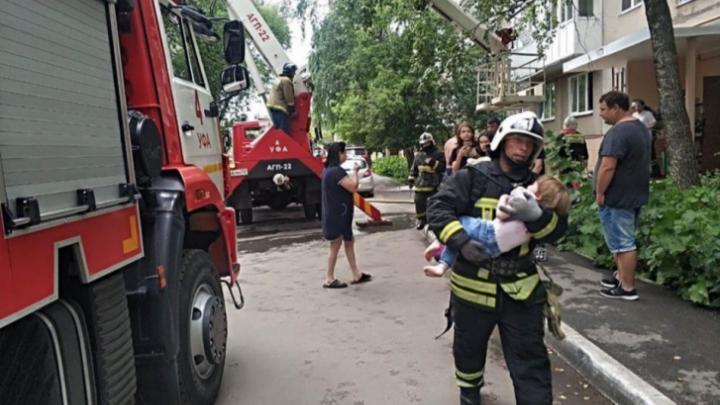 Родителям детей, которые пострадали в крупном пожаре в Уфе, поможет мэрия города