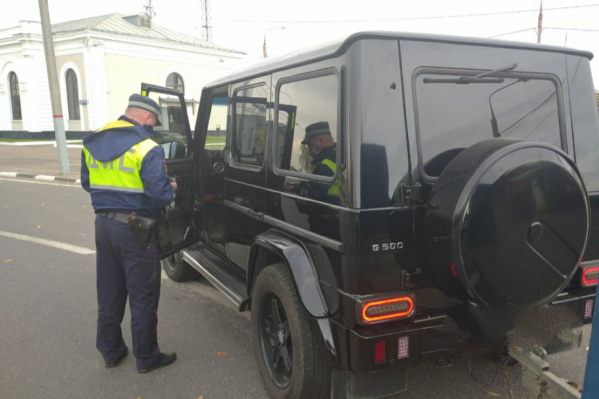 За час в Ярославле задержали 22 нарушителя правил тонировки