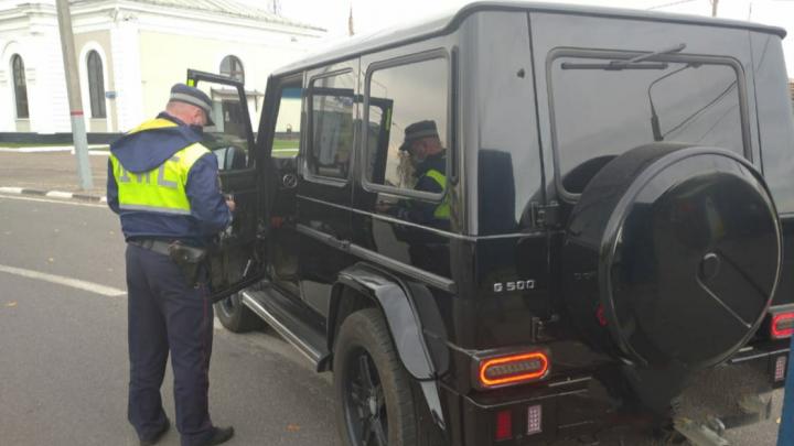 В Ярославле полиция устроила облаву на машины с тонировкой