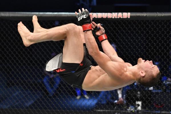 Пётр стал вторым чемпионом UFC из России