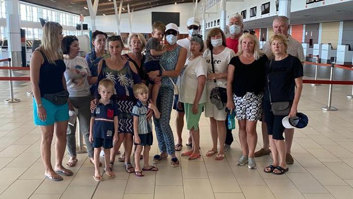 Уральские туристы на полгода застряли на Фиджи с маленькими детьми и без лекарств