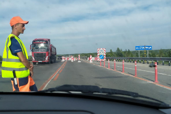 «Продлится до октября»: новосибирцы встали в огромную пробку на Северном объезде из-за ремонта дороги