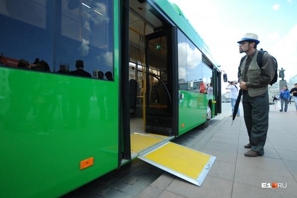 Зеленые автобусы оснащены кондиционерами