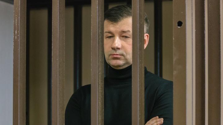 Осуждённому за взятку экс-росгвардейцу Дмитрию Сазонову изменили приговор
