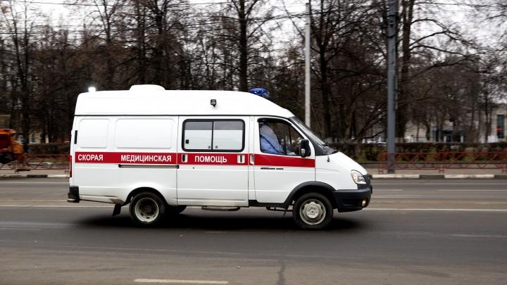 С травмами увезли в больницу: в Ярославле «Форд» сбил пешехода