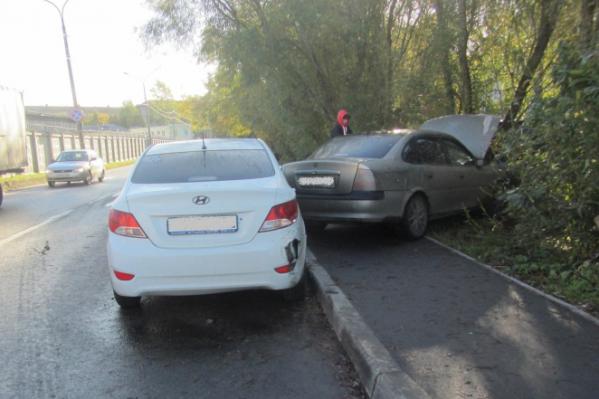 По информации полиции, авария случилась из-за того, что водитель «Нивы» не уступил дорогу иномарке