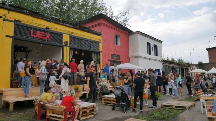 Развалины старинного уральского завода превратили в новое место отдыха на выходных: 25кадров оттуда