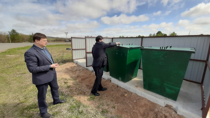 Устанавливают площадки, закупают контейнеры: как будет выстроена система обращения с мусором в районах