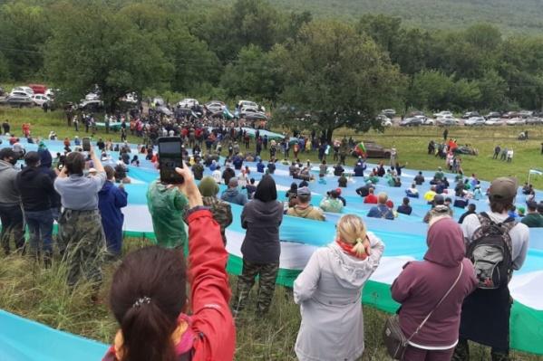 Активисты окружили живой цепью шихан Куштау