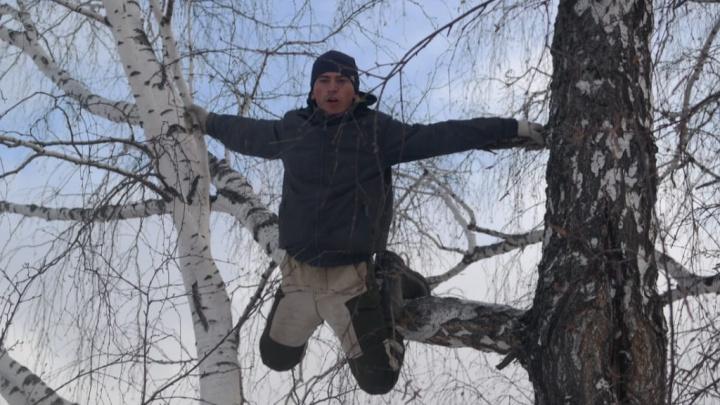 Из-за студента, который ловит интернет на березе, Бурков собрал всех операторов связи