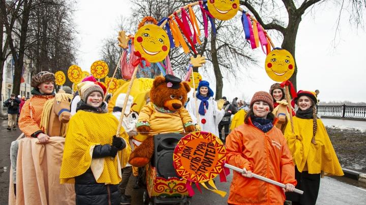 Гвардейцы, карнавал и мыши: 13 самых ярких фото с празднования Масленицы в Ярославле