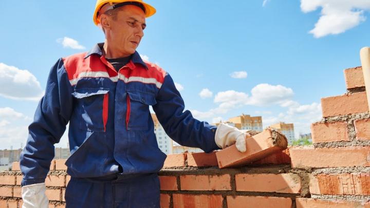 Уфимцы переживают изоляцию на природе: «Башкирский кирпич» запустил акцию на покупку стройматериала