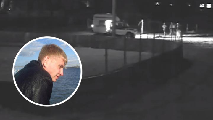 Омичи обокрали умирающего офицера — их сняла камера наблюдения