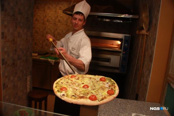 Пиццу в «Папа Карло» готовят в обычных, электрических печах