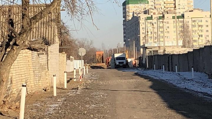 В Волгограде ликвидируют крупный порыв на канализационном коллекторе