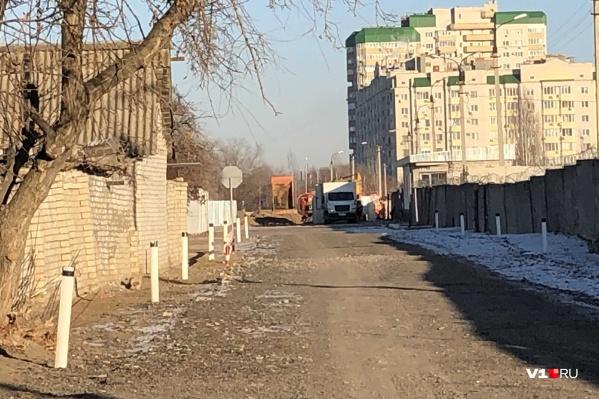 Порыв произошел рядом с 413-м военным госпиталем Минобороны на проспекте Жукова