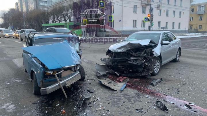 В глупой аварии на Толстого— Кецховели пострадал 3-летний ребенок