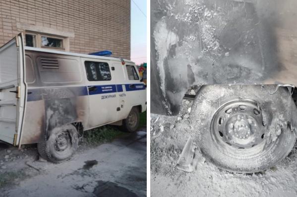 К счастью, автомобиль оказался поврежден огнем только снаружи