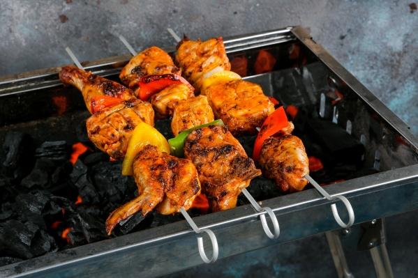 Куриный шашлык понравится и сидящим на диете, и привередливым детям