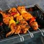 Вместо свинины курица, в маринад — сливки: пермякам рассказали, как приготовить идеальный шашлык