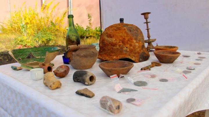 На месте раскопок в центре Перми нашли 5 тысяч исторических предметов, в том числе старинную детскую игрушку