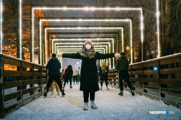 Пришло время вспомнить, каково это — нестись по льду, когда твои щеки (даже через маску) обжигает мороз