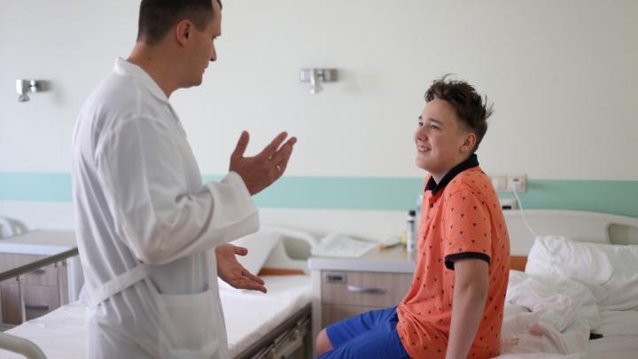 В Новосибирске спасли подростка со взрослой болезнью, которому не могли помочь в других городах
